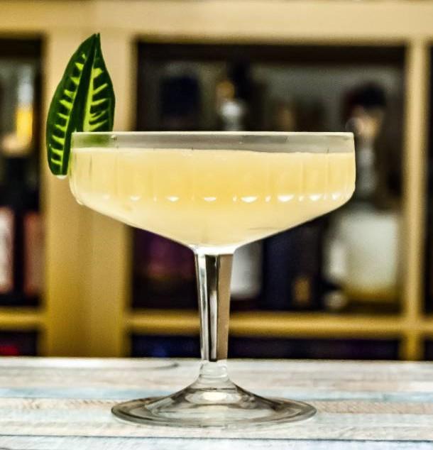 Apex Legends Mirage Martini